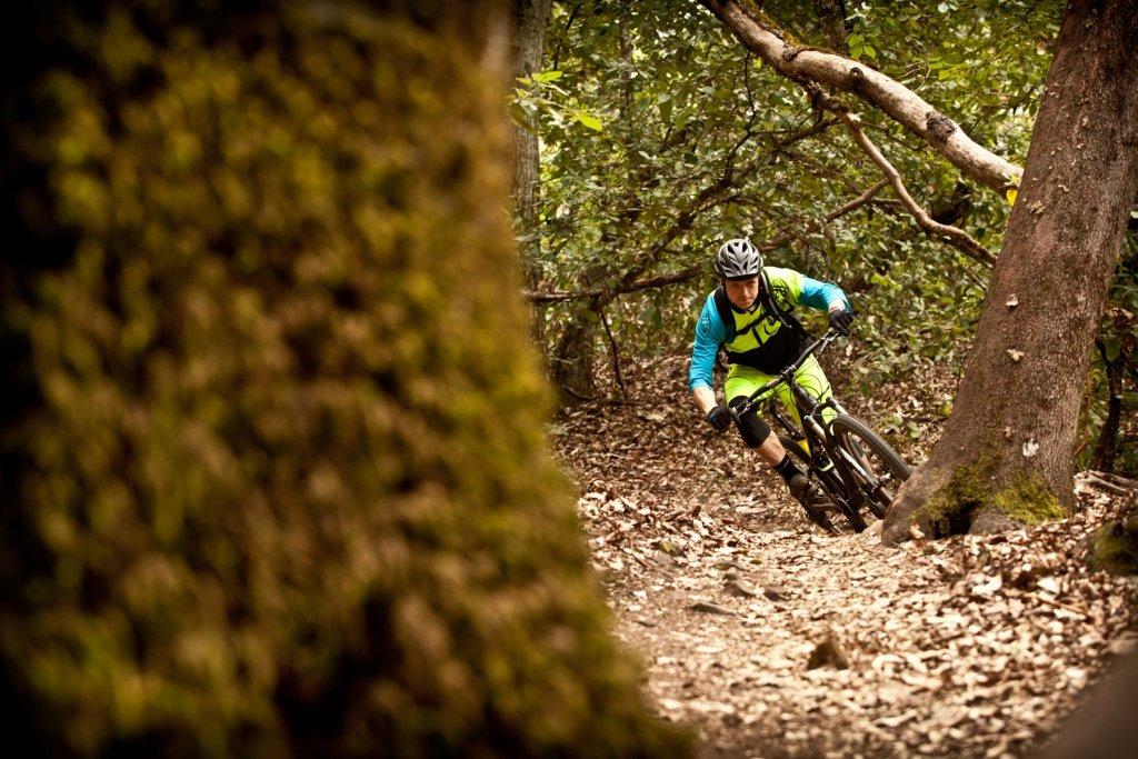 23 Tyler Morland auf dem Trail  - Foto: Adrian Marcoux