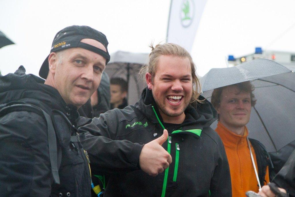 Vincent Stoyhe (Nicolai) freut sich über den Sieg seines Fahrers