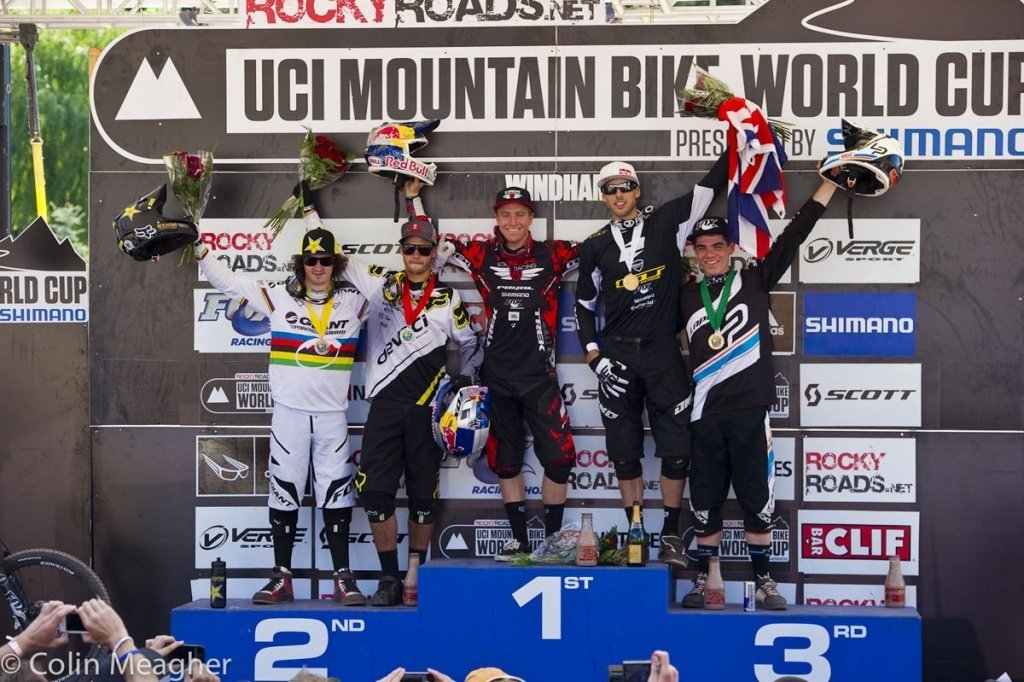 Danny Hart (4), STEVE SMITH (2), Aaron Gwin (1), Gee Atherton (3), Loic Bruni (5).