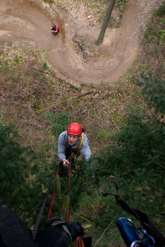 Kletterei: Mithilfe von Björn von TragWerker geht es hoch hinaus