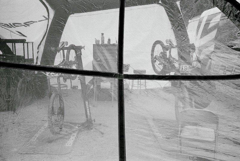 Hoshi fotografiert kreativ: Analog, Schwarz-Weiß, ...