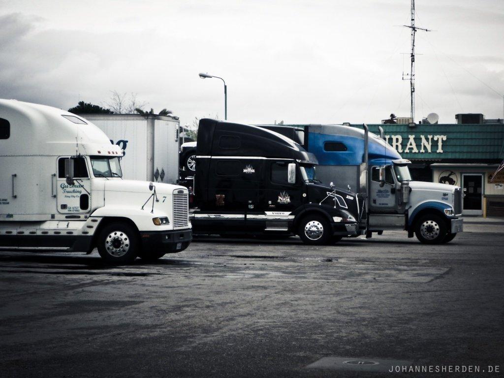 77 Truckstop