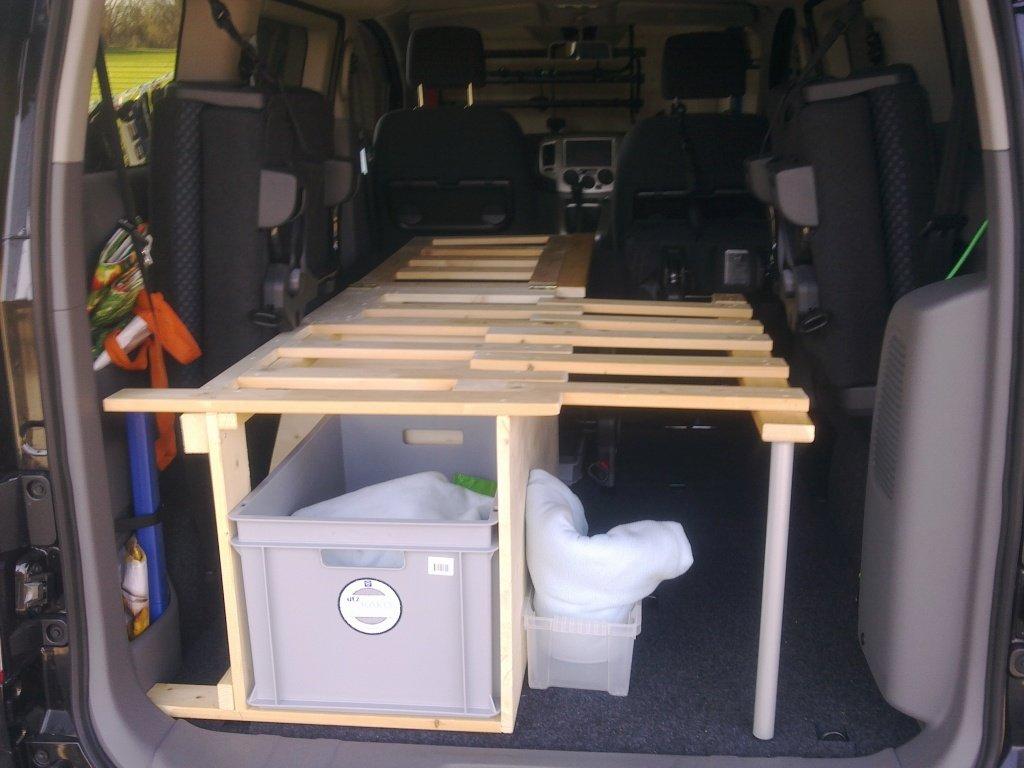 einbau einfaches bett. Black Bedroom Furniture Sets. Home Design Ideas