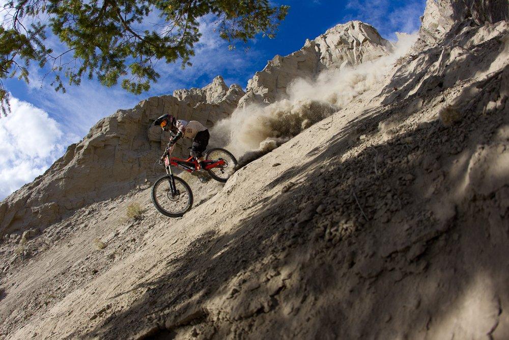 Tyler McCaul lässt es stauben - Foto: John Gibson/Red Bull Content Pool