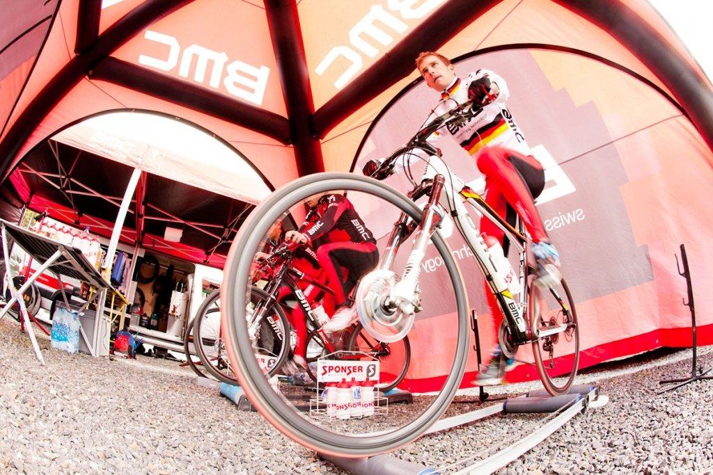 03 - Moritz Milatz beim Warmfahren  Nove Mesto 2012