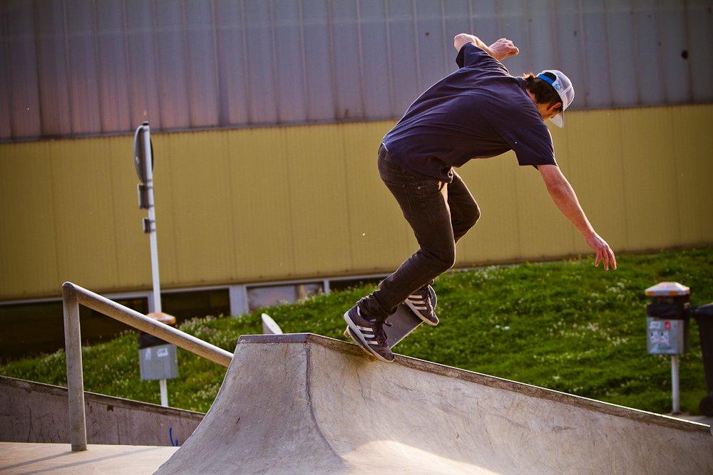 24 - Skateboarder mit Skills