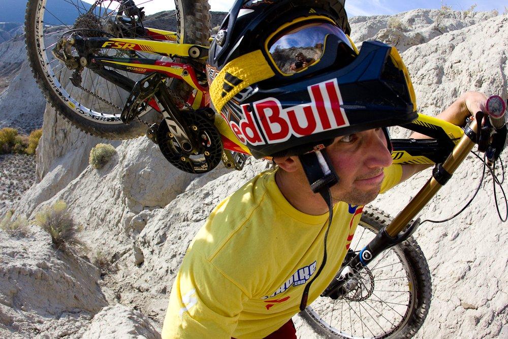 Darren Berrecloth beim Bikebergsteigen in B.C. - Foto: John Gibson/Red Bull Content Pool