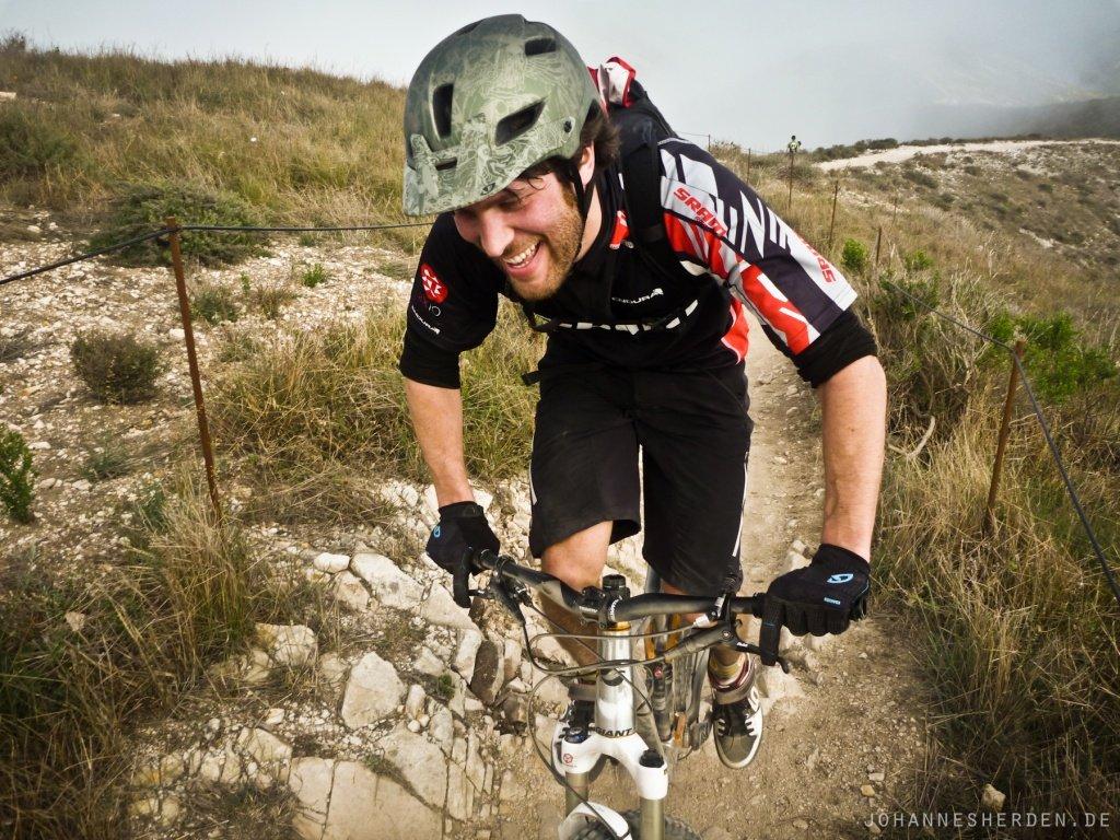 64 Selbst Julian von SRAM ist nach dem letzten Uphill fertig!