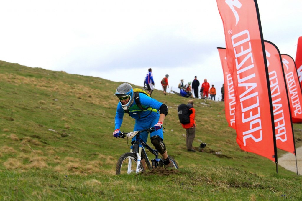 endurotribe.com - Mtabief Open Enduro 2012 - Max nimmt die Verfolgung auf