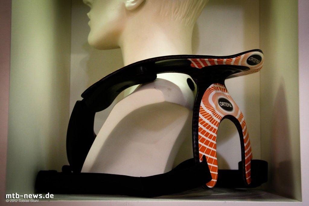 eurobike 2012 ortema neck brace und p1 r ckenprotektoren. Black Bedroom Furniture Sets. Home Design Ideas