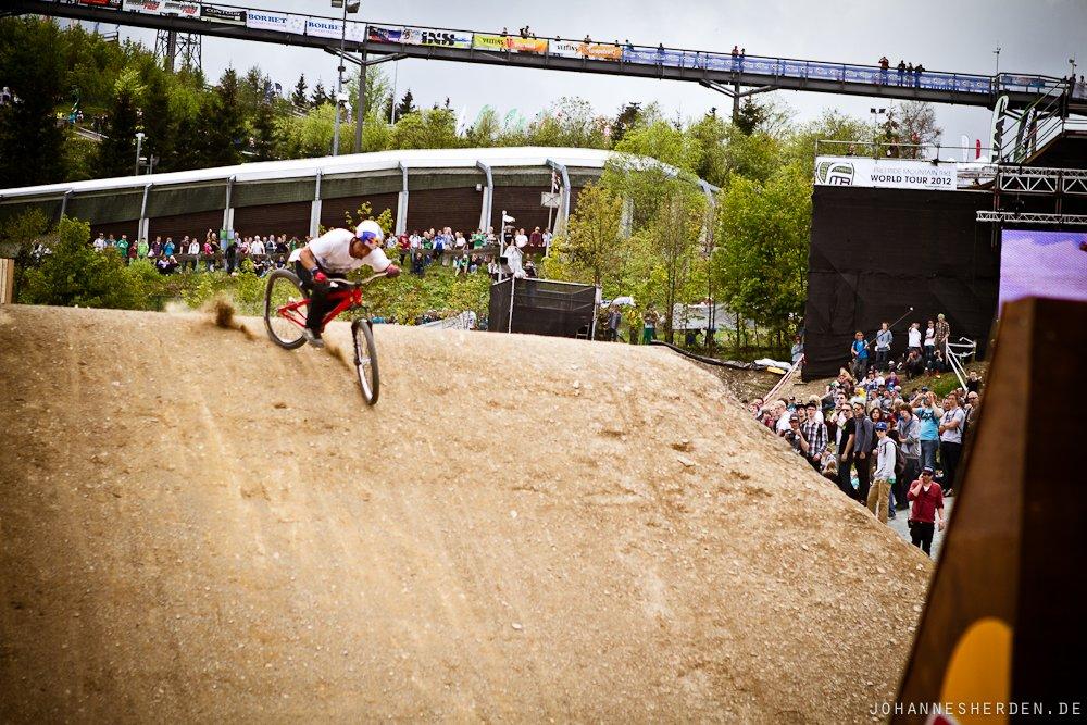 Yannick Granieri ruiniert sich das Hinterrad