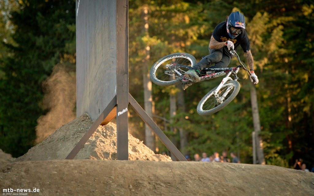 Whistler Crankworx Speed and Style - Andreu Lacondeguy am Wallride