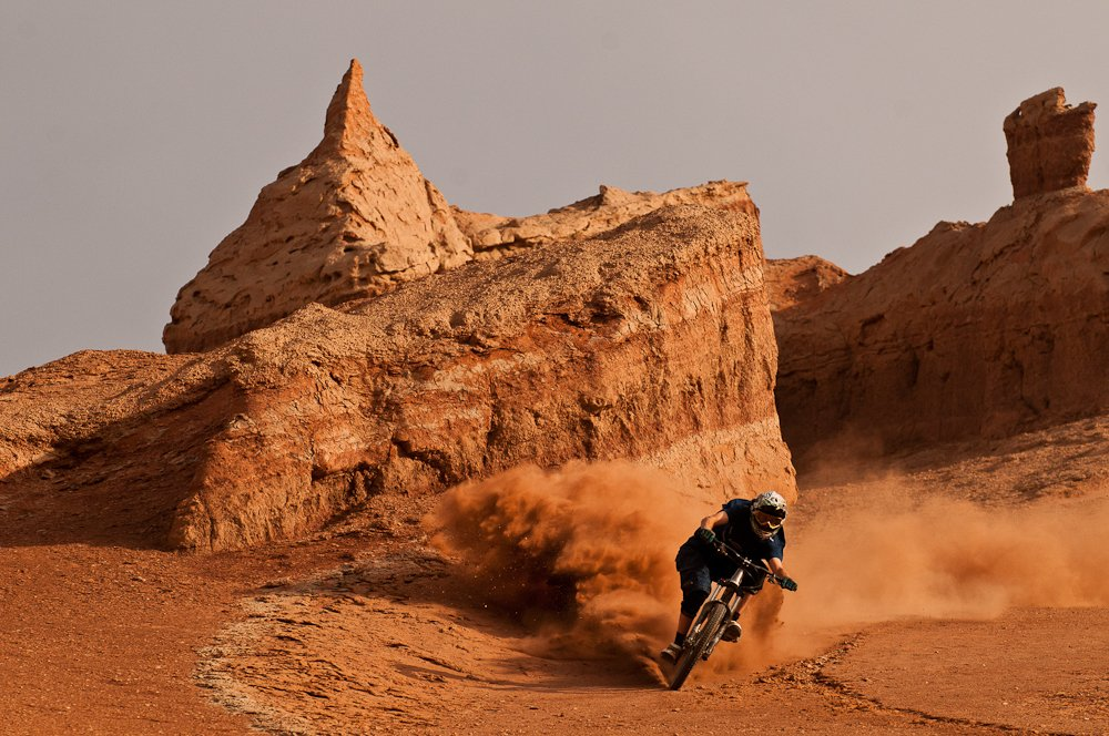 Kurt Sorge driftet in Turpan/China - Foto: John Wellburn/Red Bull Content Pool