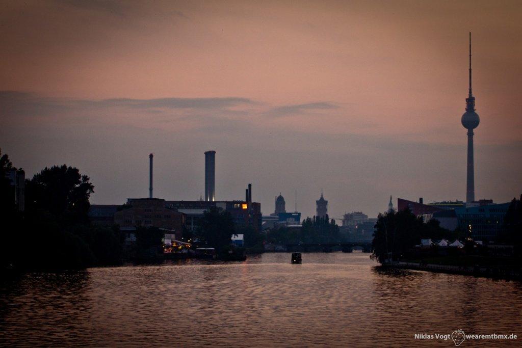 Pumptrackliebe Roadtrip: Abenddämmerung in Berlin