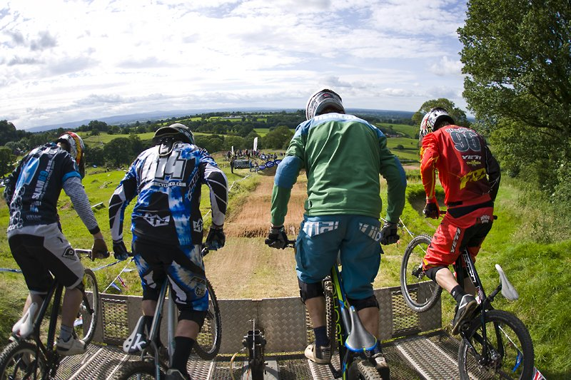 Fwd: Schwalbe British and Euro 4X Finals this weekend