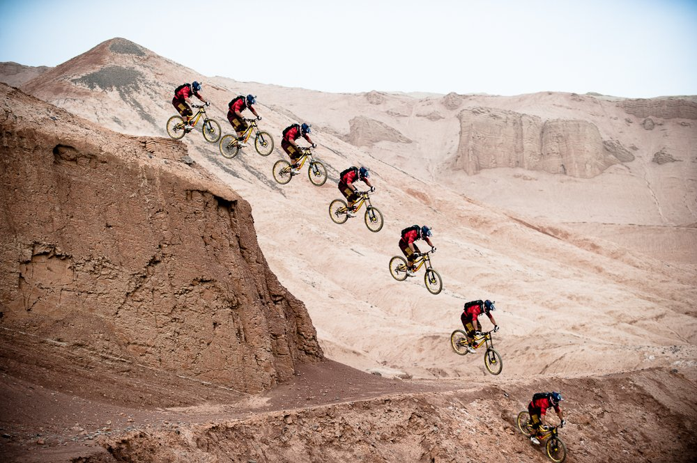 Berrecloth auf einem massiven Gap in China - Foto: John Wellburn/Red Bull Content Pool