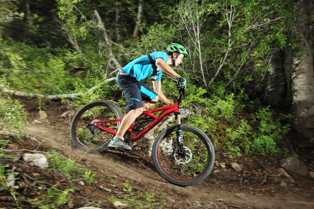 Specialized Enduro Comp in Fahrt