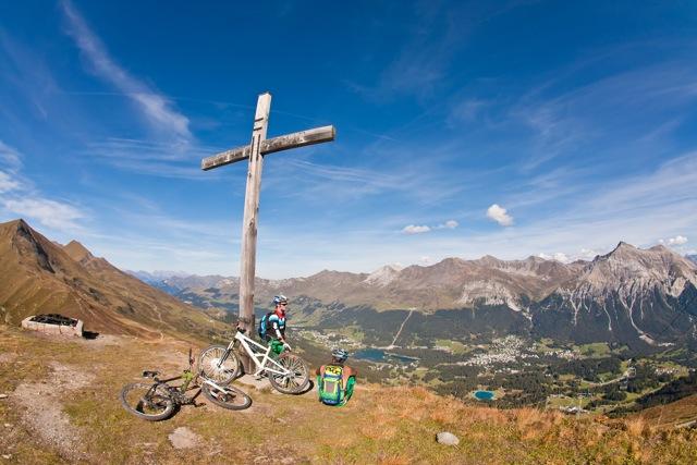 Gipfelkreuz in der Heide - Foto Wolfgang Watzke