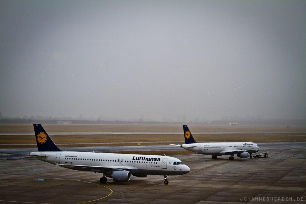 Flughafen Düsseldorf: Nebel.