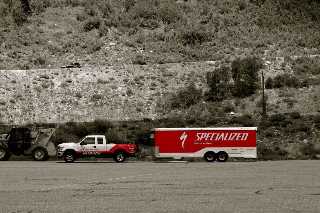 Typisch USA - große Trucks auch bei Specialized