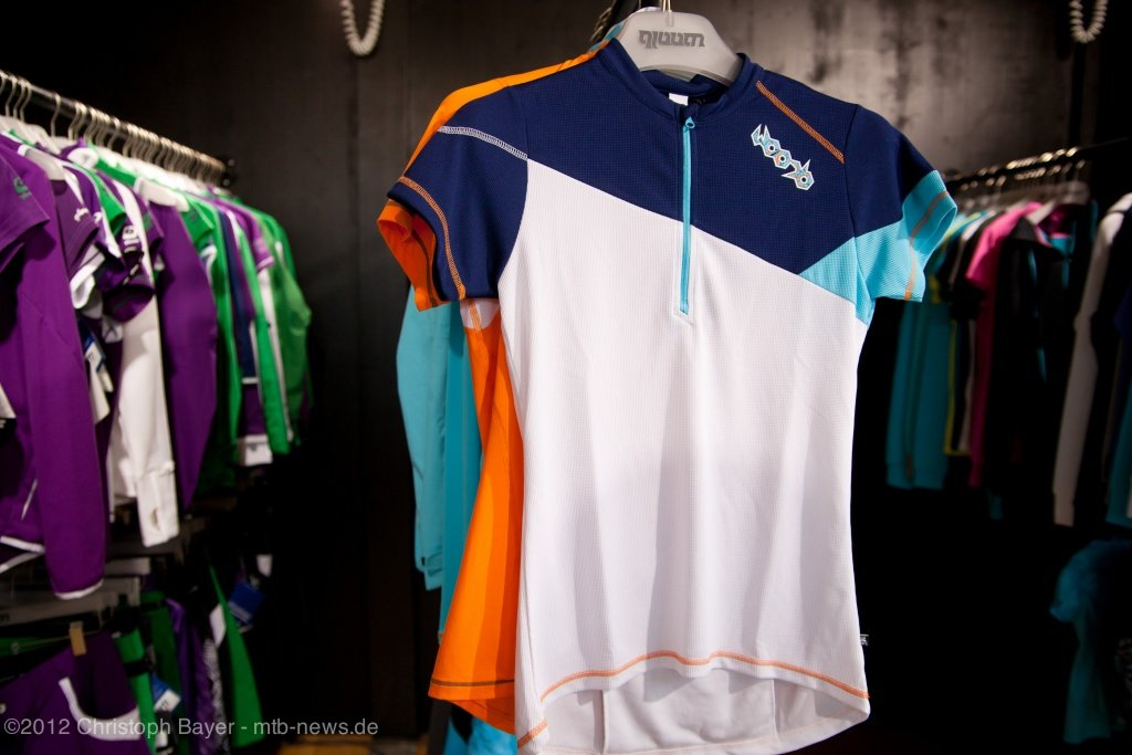 aus der Flowride Serie das Women short sleeve Jersey Night Cliff