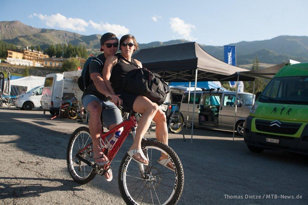 Brook MacDonald mit Beifahrerin