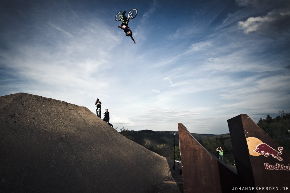 Sam Pilgrim - Backflip Nohand