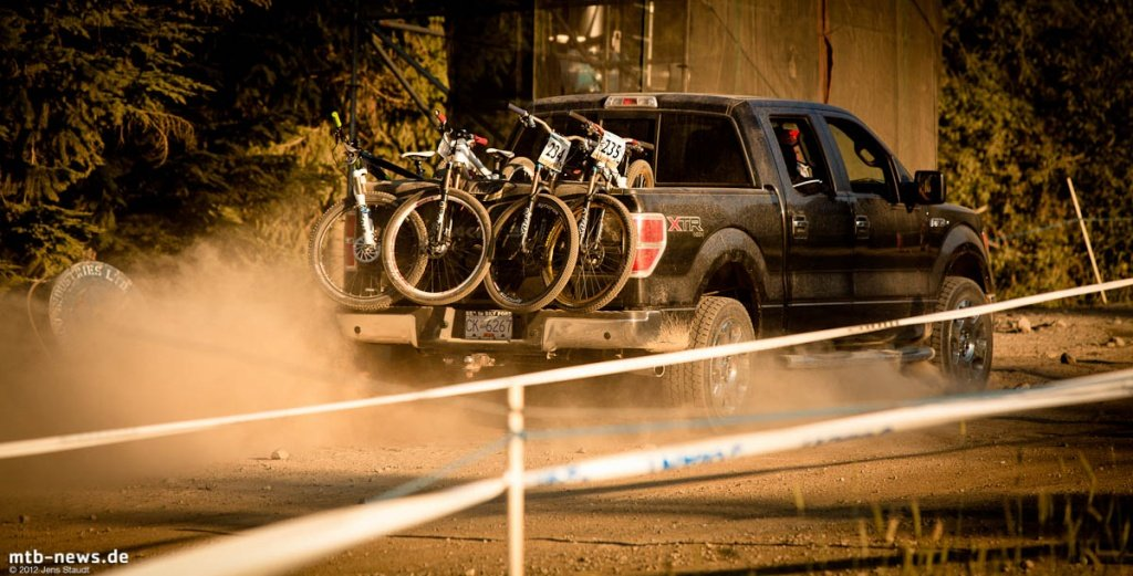 Bikeshuttle - Crankworx Dualslalom 2012 by Jens Staudt - 2555