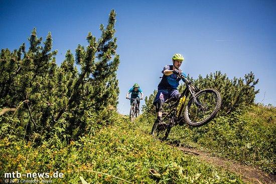 Die Trails laden zum Spielen und Spaß haben ein - zumindest so lange es nicht zu steil den Berg hinab geht. Dann gilt volle Konzentration.
