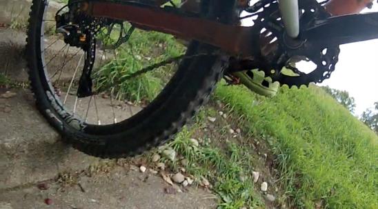Shimano XTR Trail ohne Dämpfung verliert die Kette.