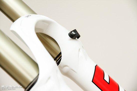 Gewichtsoptimiertes Castinung und gut funktionierende Leitungsführung - die Formula 35 macht optisch und haptisch einen sehr guten Eindruck
