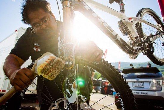 'Monkey' Vasquez macht das Rad von Gwin sauber