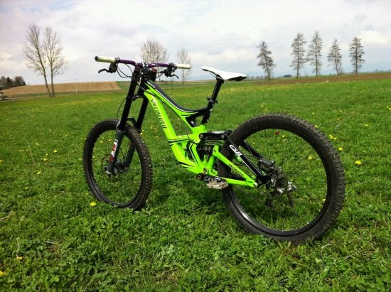 Specialized Monster Energy Demo