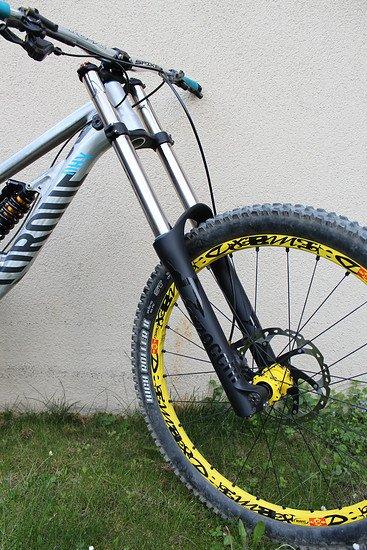 Marzocchi 380 C2R2 26'' Titanium