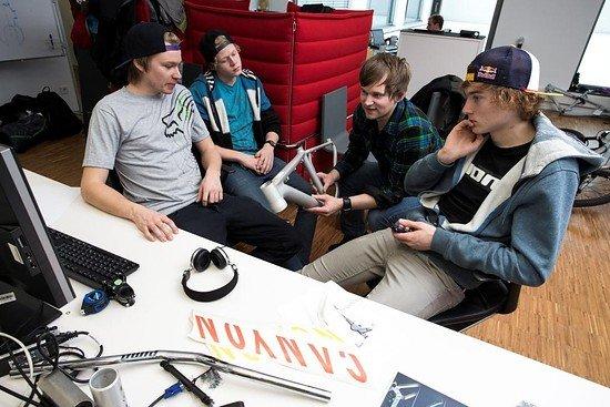 Thomas und Anton mit Canyons R&D Team
