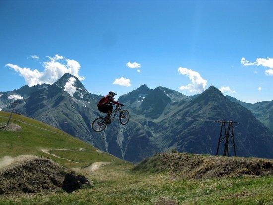 Les 2 Alpes Air-Downhill