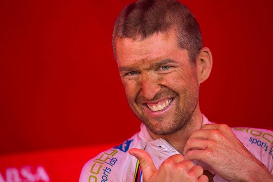 Ein strahlender Sieger - Christoph Sauser - Gary Perkin-Cape Epic-SPORTZPICS