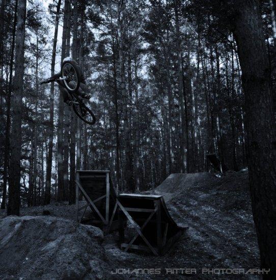 WINDOWCREEK Dust-trails