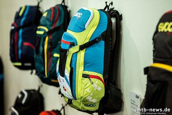 Den Evoc FR Rucksack gibt es nach wie vor in verschiedenen Farbstellungen