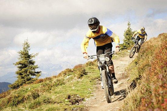 Vollgas auf alpinen Trails