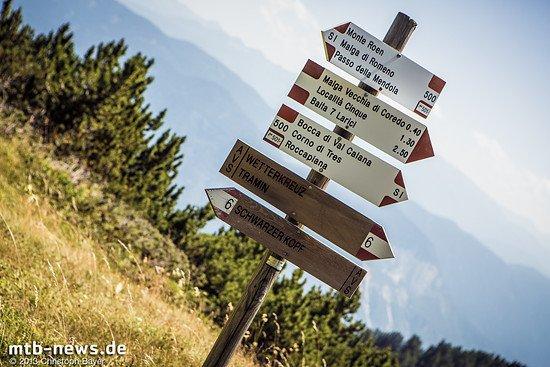 Unsere Reise geht jedoch noch einige Höhenmeter weiter hinauf bis zum Monte Roen, von dem aus wir uns ins Tal schlängeln wollen.