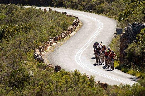 Es geht hoch auf den Bains Kloof Pass - Gary Perkin-Cape Epic-SPORTZPICS