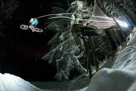 IONbike 6 MaxSchumann Snow-Shred-Drop Samerberberg2012 byColinSteward
