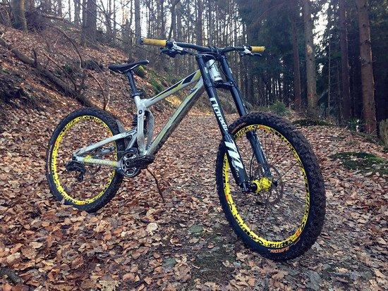 Propain Rage 2015 Custom - Propain Bikes Officials Bike