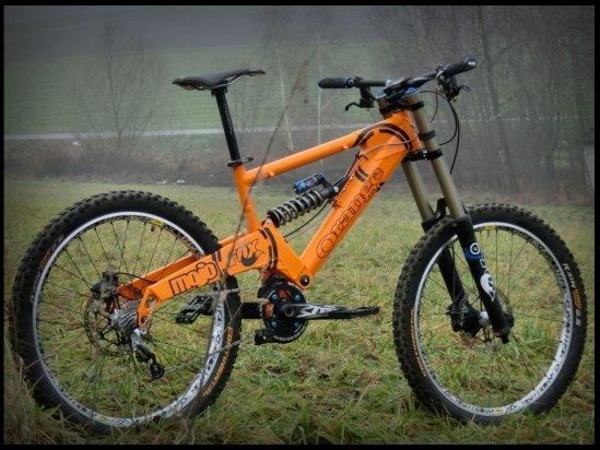 Orange 224