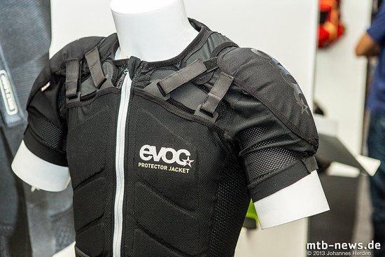 Die Protektor Jacket ist deutlich weiterentwickelt worden und soll im Bezug auf Atmungsaktivität und Schutz besonders gute Leistungen bringen