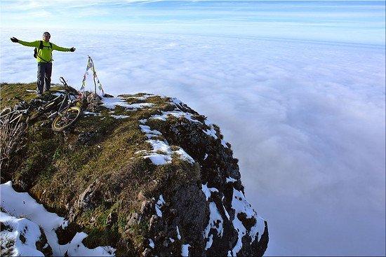 November Cloudclimbing