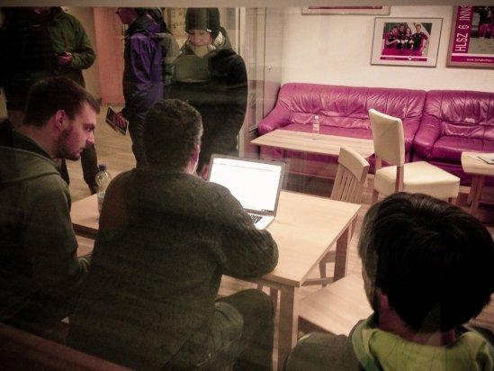 Tom, Hannes und Maxi bei der Arbeit