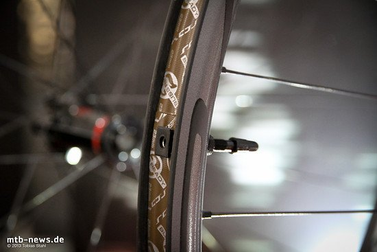 Specialized 2014 - Roval Control SL - Tubeless Ready