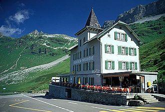 330px-Klausenpass Hotel Passhoehe